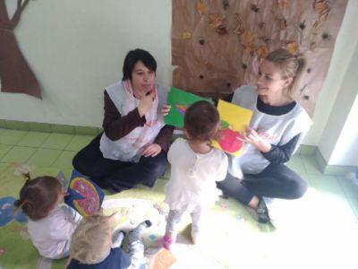 Alessia e Roberta nelle scuole
